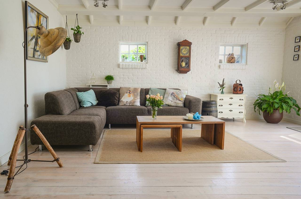 Decorate your living room on a low budget